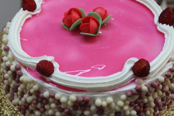 Torta crema chantilly e fragoline